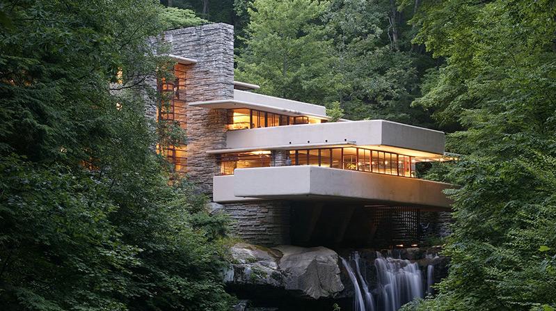 Frank Lloyd Wright Fallingwater House.jpg